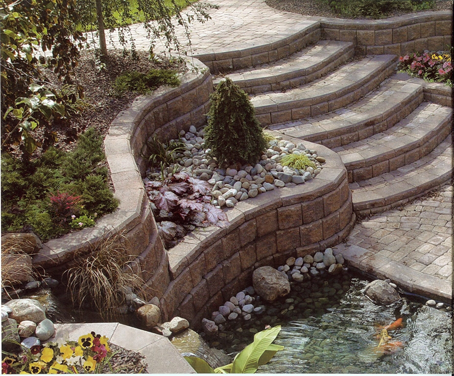 Manufactured Retaining Walls & Steps