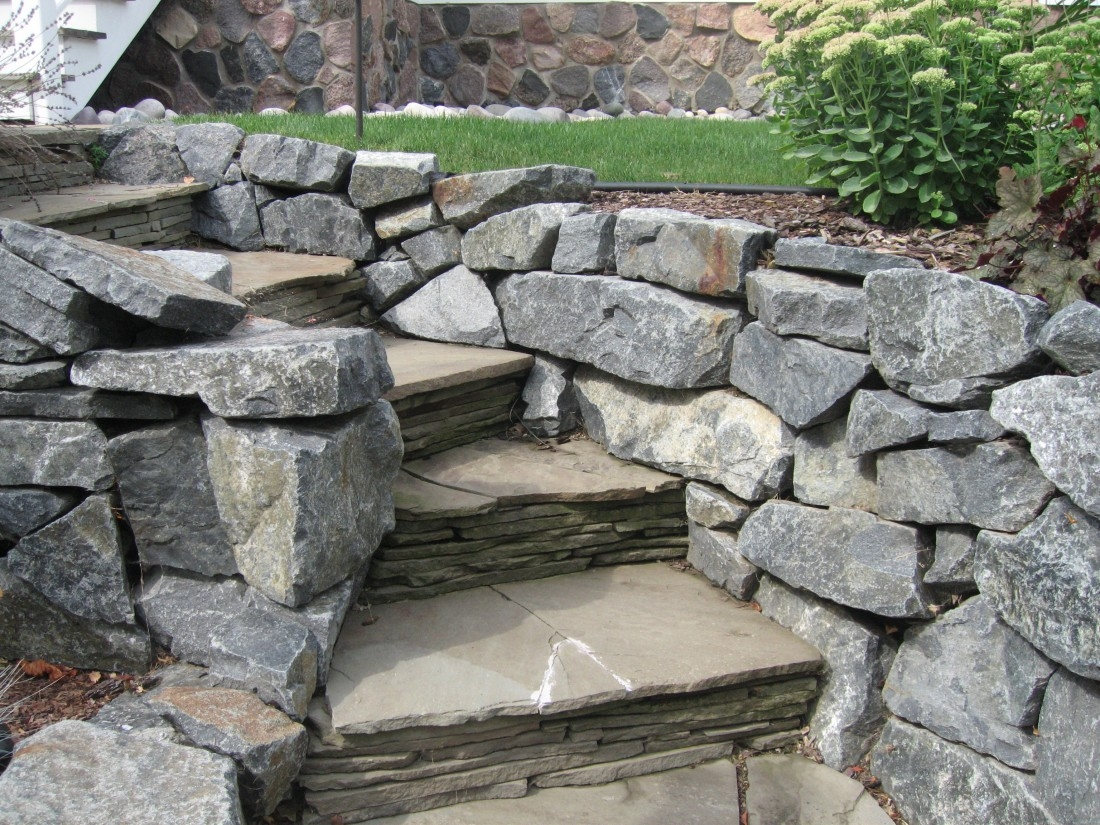 Natural Wall Stones, Terrace Slabs, and Steps